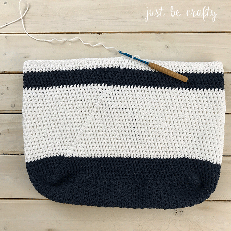 Nautical-Crochet-Bag