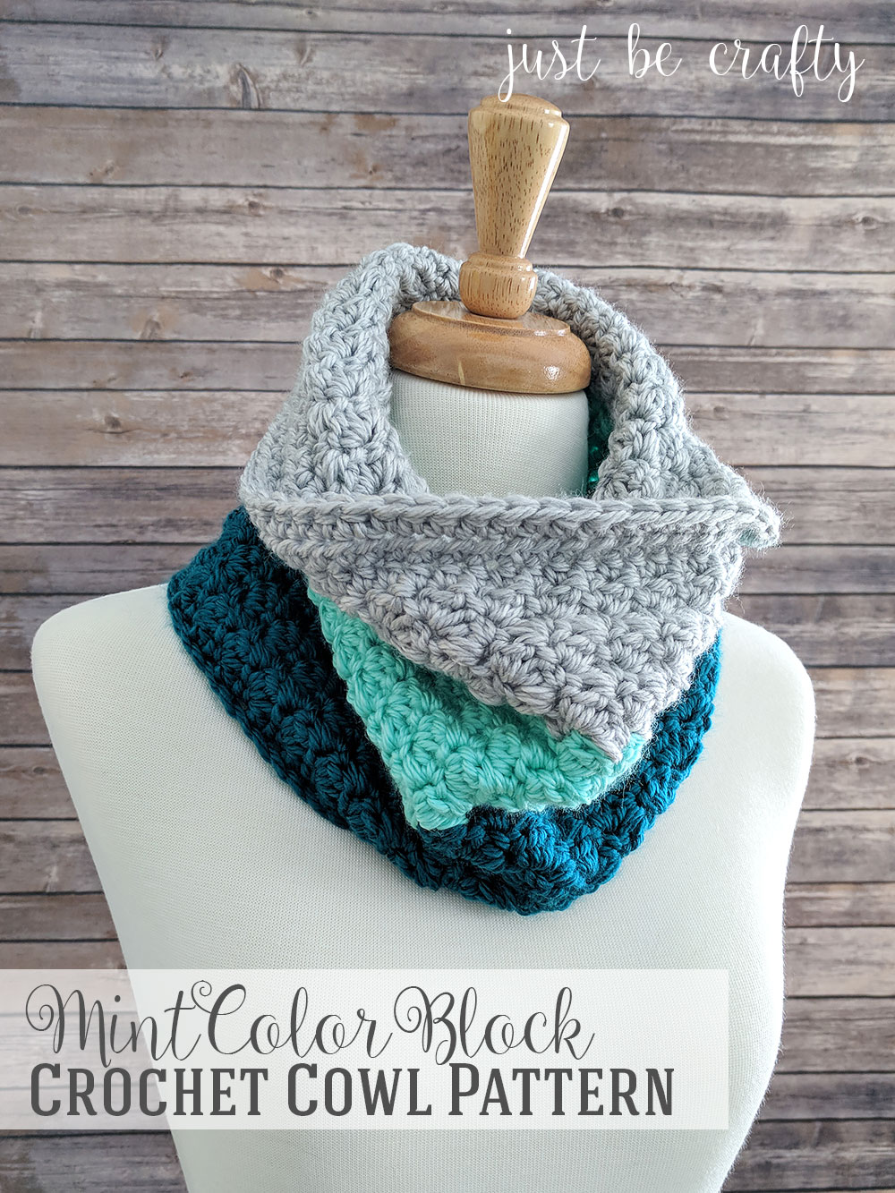 Mint Color Block Crochet Cowl - Free Pattern by Just Be Crafty