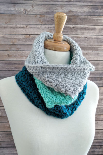 Mint Color Block Crochet Cowl Pattern