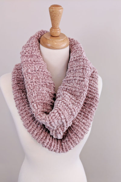 Ribbed Velvet Knit Cowl – Free Pattern