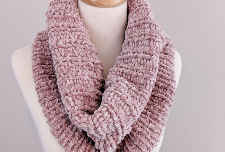 Ribbed Velvet Knit Cowl – Free Pattern