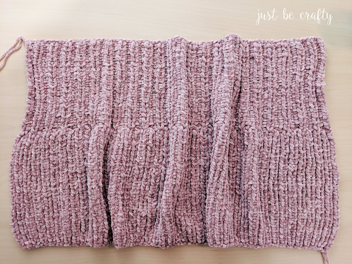 Ribbed Velvet Knit Cowl - Free Pattern by Just Be Crafty