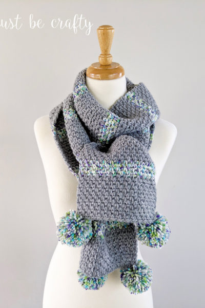 Moss Stitch Pom Pom Scarf – Free Crochet Pattern and Video Tutorial