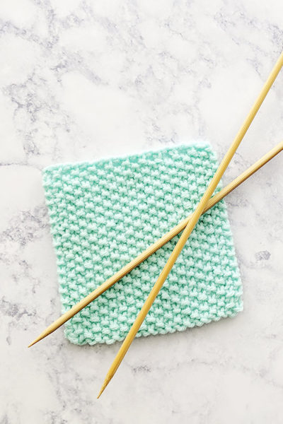 Learn How to Knit the Seed Stitch + Video Tutorial