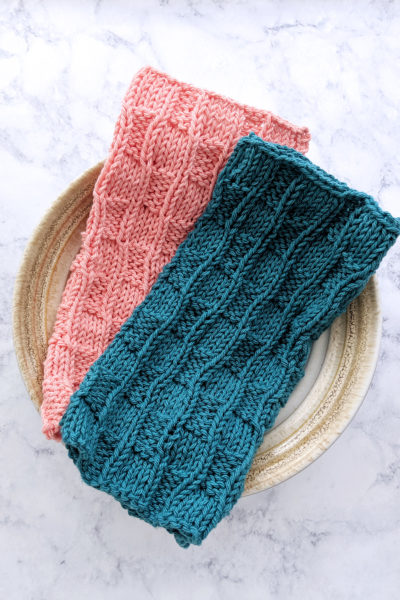 Checkered Waves Knitted Dishcloth Pattern & Video Tutorial