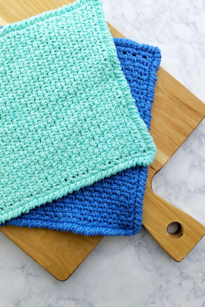 Moss Stitch Dishcloth | Free Pattern by Just Be Crafty