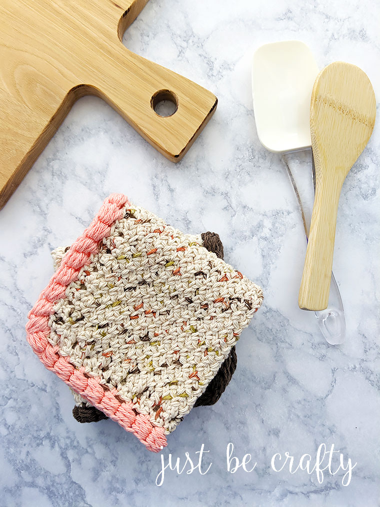 Harvest Table Crochet Dishcloth | Free crochet pattern and video tutorial by Just Be Crafty